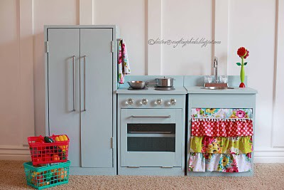 old furniture to play kitchen